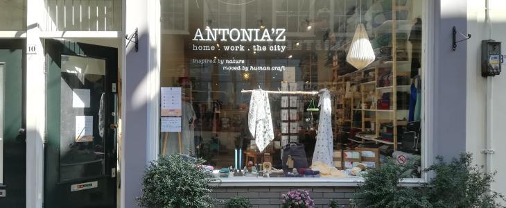 Antonia'z