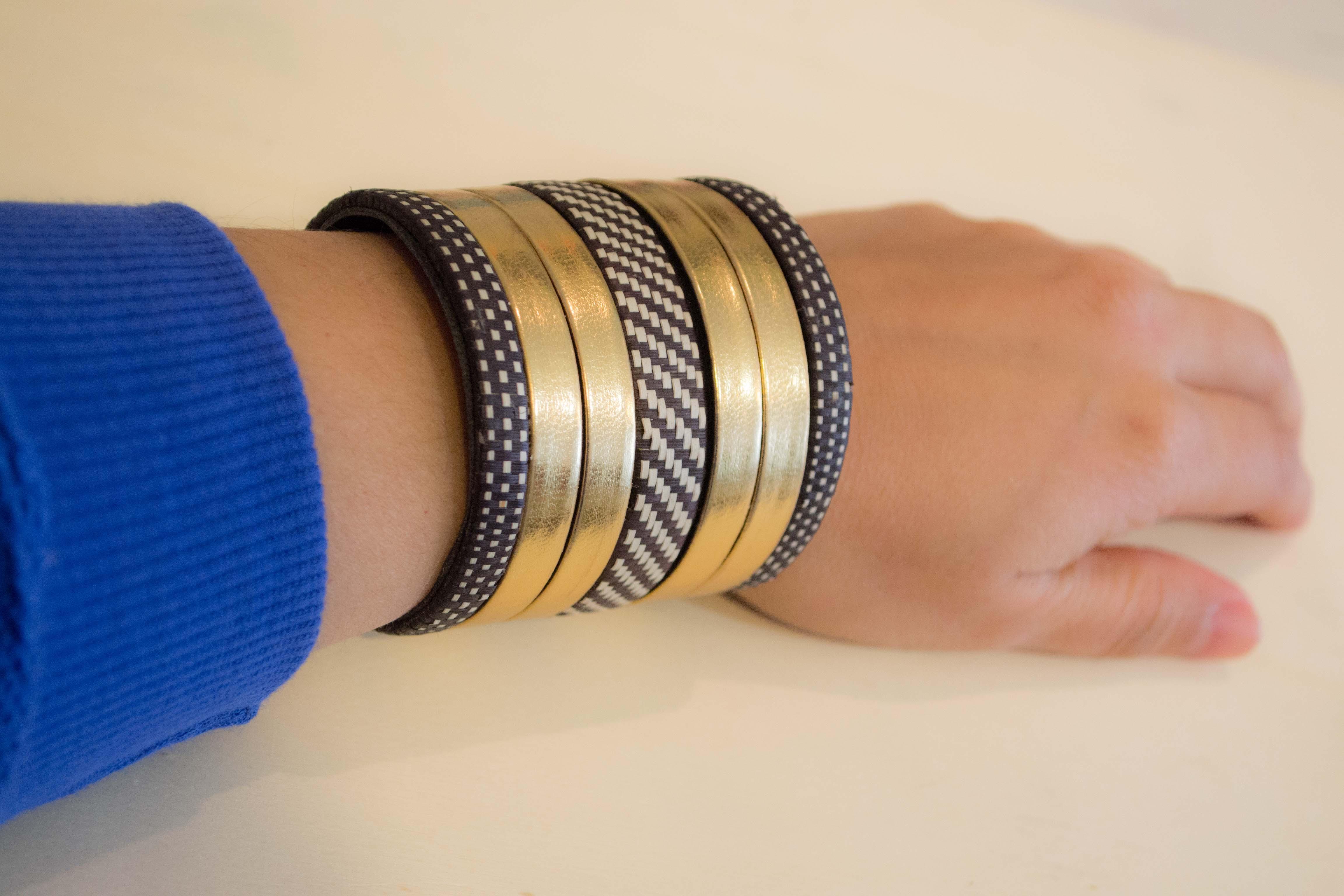 Armband aus Caña-Flecha mit Streifen in gold/Si...