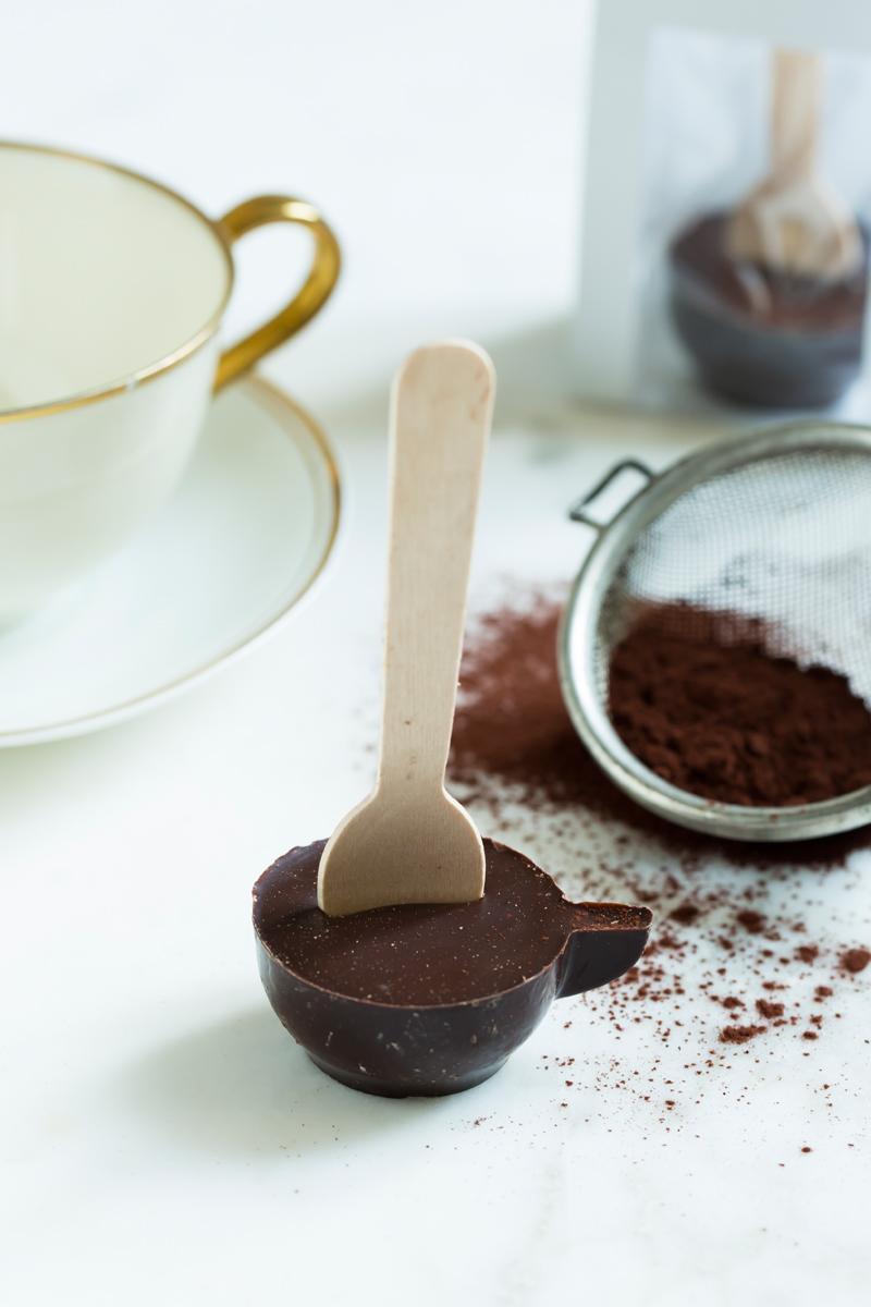 heißer Löffel mit Edelbitter-Schokolade 71%