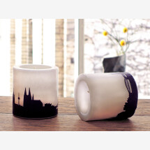-Two candles with Cologne Skylineprint in plum-2