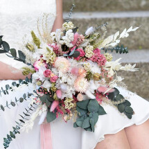 -Durable bridal bouquet made of dried flowers in delicate tones with eucalyptus-21