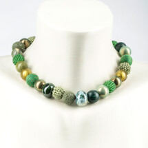 -Short pearl necklace New Bowls Evergreen made of a fine material mix-20
