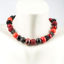 -Short pearl necklace New Bowls red-black made of a fine material mix-20