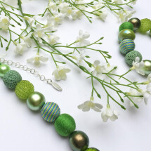 -Short pearl necklace Bollywood Greenery made of a fine material mix-22