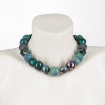 -Short pearl necklace Bollywood Colonial Blue made of a fine material mix-20