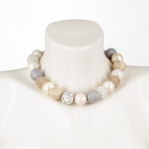 -Short pearl necklace Bollywood Macaron made of a fine material mix-20
