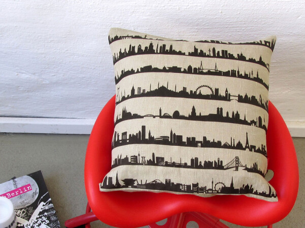 Pillowcase with Skylines 16 CITIES Natural linen printed by hand | 44spaces