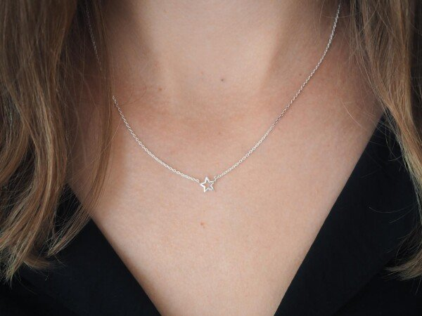 Short necklace with small star sterling silver | Perlenmarkt