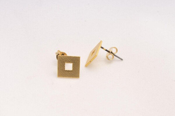 Lucia eye pull through earrings gold | Bizar_Cologne