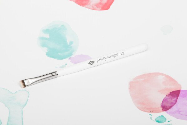 PERFECTLY IMPERFECT - Eyeliner Brush made of high-quality synthetic hair / / makeup brush | SALON ZWEI Kaufladen & Schminksalon