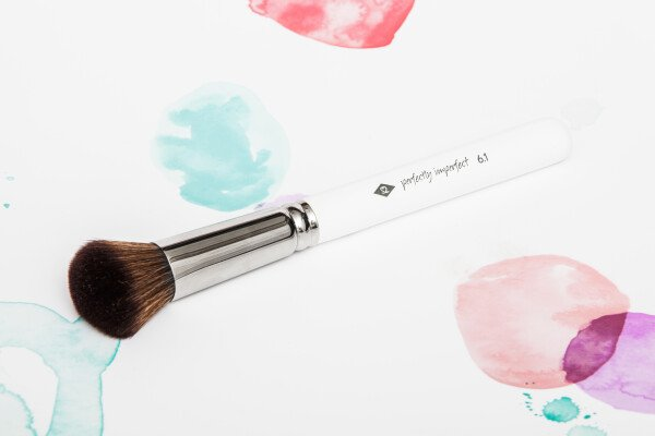 PERFECTLY IMPERFECT - Foundationpinsel from high-quality synthetic hair / / makeup brush | SALON ZWEI Kaufladen & Schminksalon