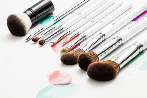 PERFECTLY IMPERFECT - eyeliner & eyebrow brush from high-quality synthetic hair / / makeup brush | SALON ZWEI Kaufladen & Schminksalon