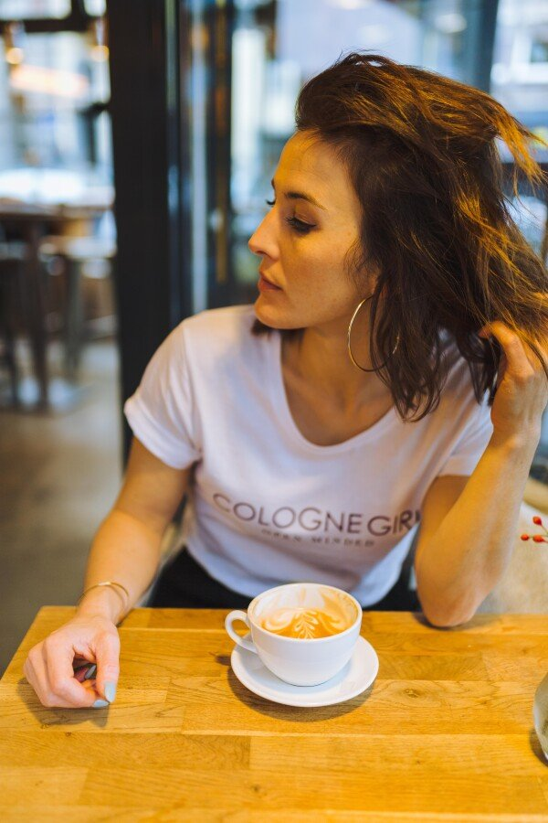 LIMITED EDITION: GMC T-Shirt COLOGNE GIRL white / purple   Magasin 2