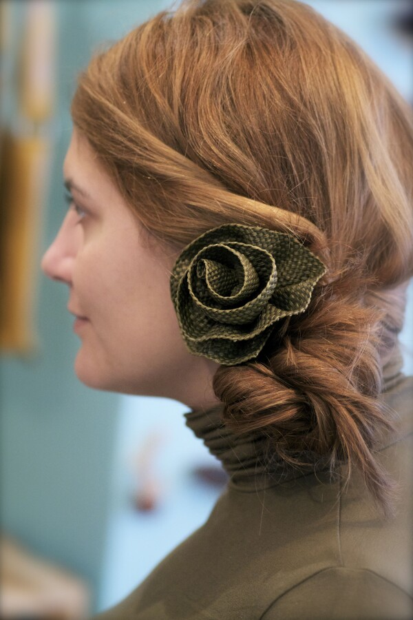 braided rose from Iraca -Handmade- | Bizar_Cologne