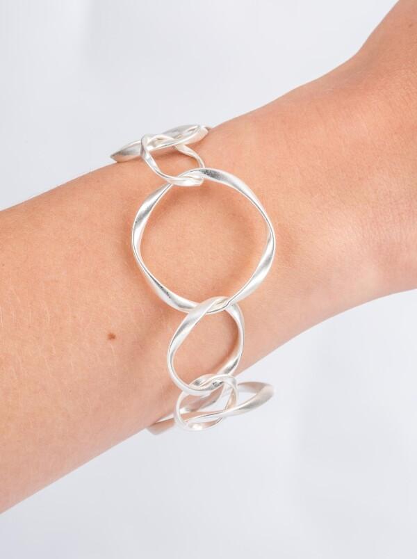 Charm bracelet link bracelet with twisted round links silver plated | Perlenmarkt