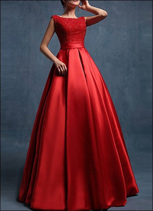 Red floor length satin wedding dress | Lafanta | Abend- und Brautmode