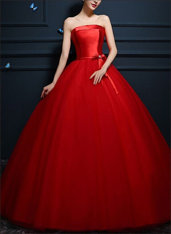 Red Princess ball gown with tulle skirt | Lafanta | Abend- und Brautmode