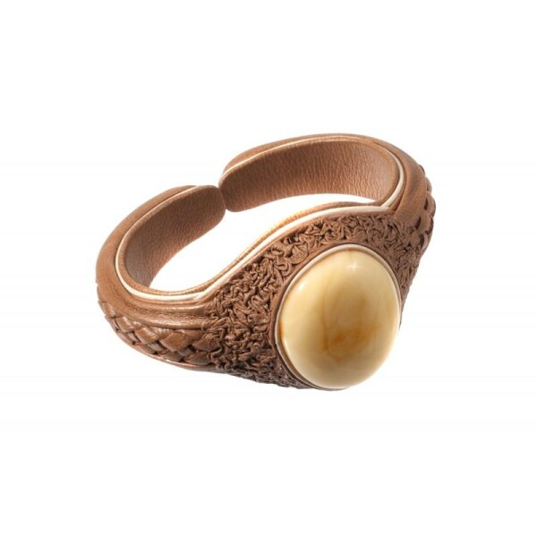 Bleached coffee-colored leather bracelet with light yellow amber | BalticBuy