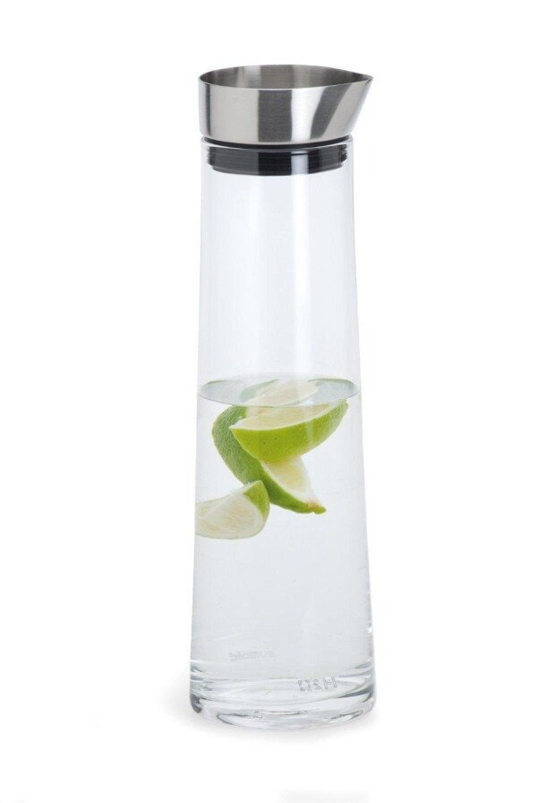 Water carafe Aqua Blomus with stainless steel spout | casa-elements