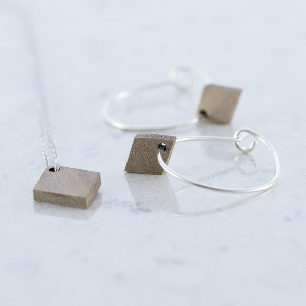 Diamond shaped earrings and necklace set walnut | Debosc