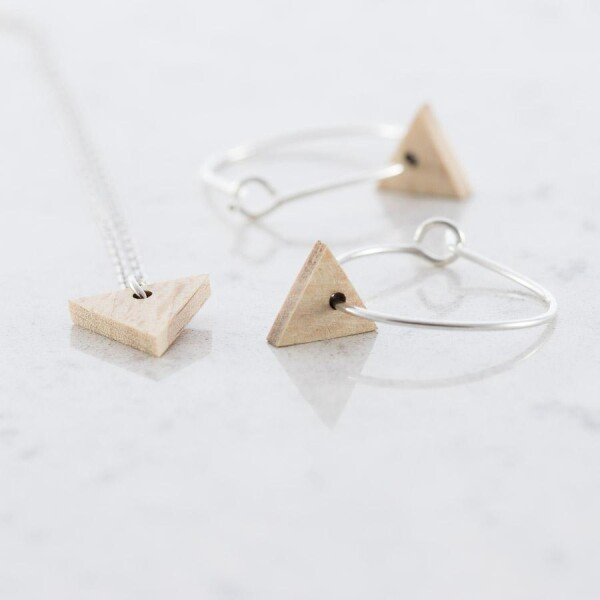 Triangular earrings and necklace set beech | Debosc