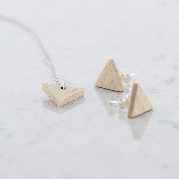Beech triangular stud earrings and necklace set beech | Debosc