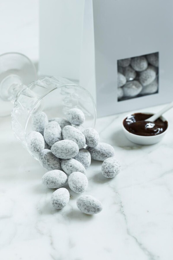 Gianduja almonds | chokoin