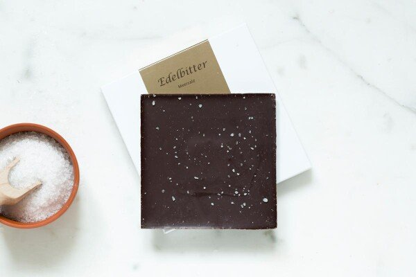 Noble bittersweet chocolate bar with sea salt | chokoin