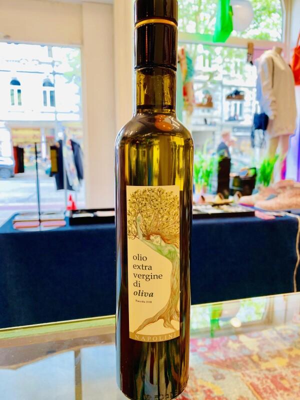 Olive oil from Bella Italia   JIMMY Hamburg
