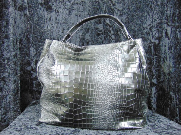 Leather bag crocodile pattern black | Iris Berghoff