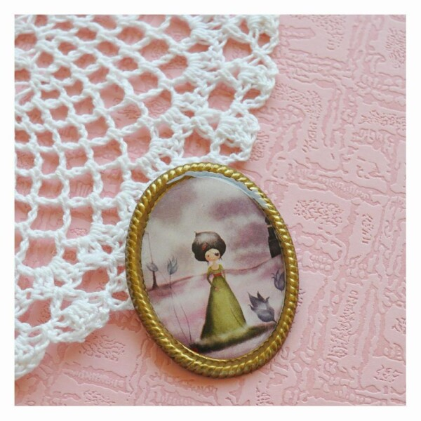 The Fairy of the magic Lamp- vintage style brooch   Seven Keys