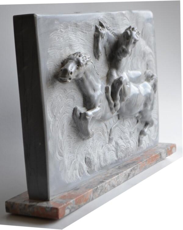 Horses - High relief - Bardiglio marble | Todini- sculture d'arredamento
