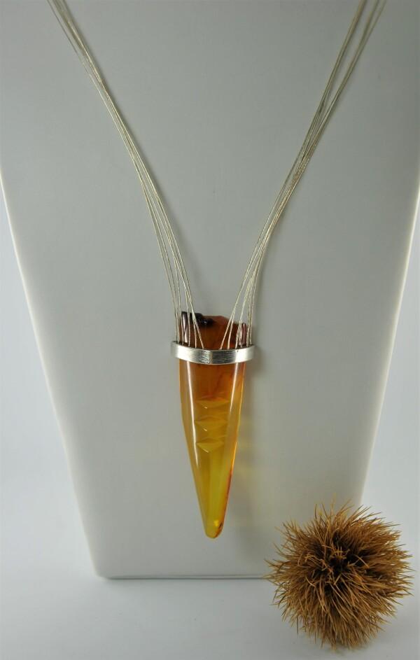 Amber designer necklace unique | Atelier Schmuck Tönnissen