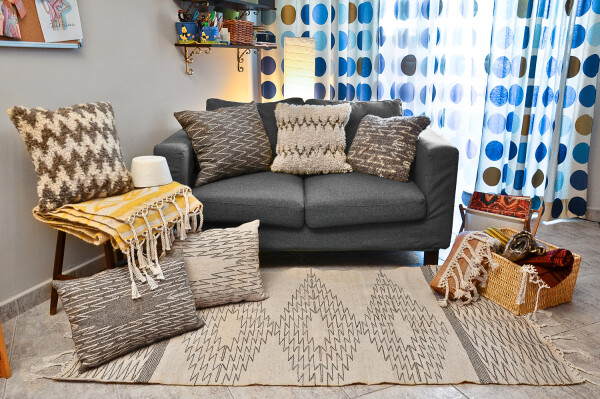 Kilim wool pillow - Ziggity zag | Ariee Home & Gifts