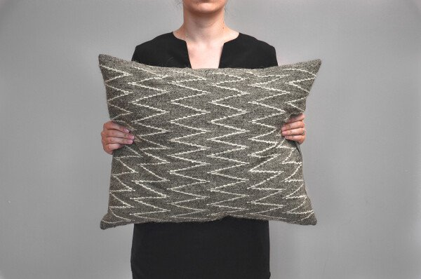 Kilim wool pillow- Zigzag | Ariee Home & Gifts
