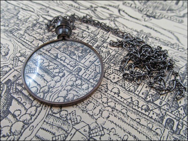 Dark patinated vintage gothic loupe on black anchor chain | Carol and Me