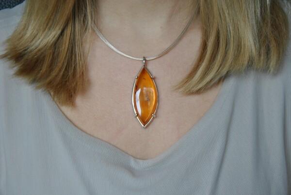 Amber designer necklace unique   Atelier Schmuck Tönnissen