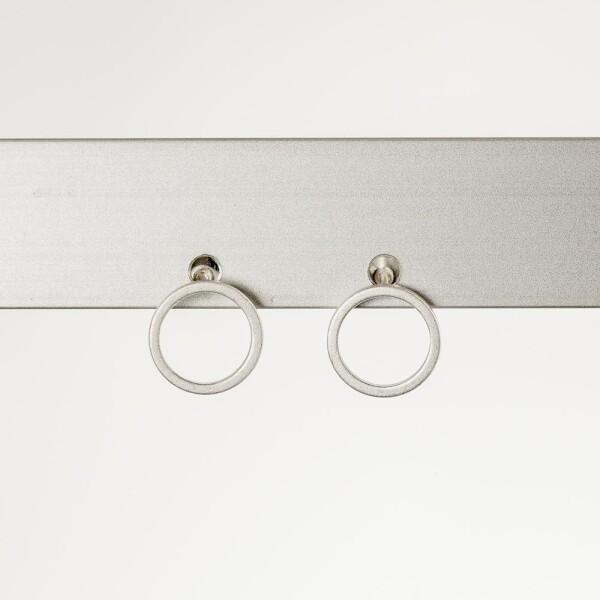 Earrings with circle motif silvered | Perlenmarkt