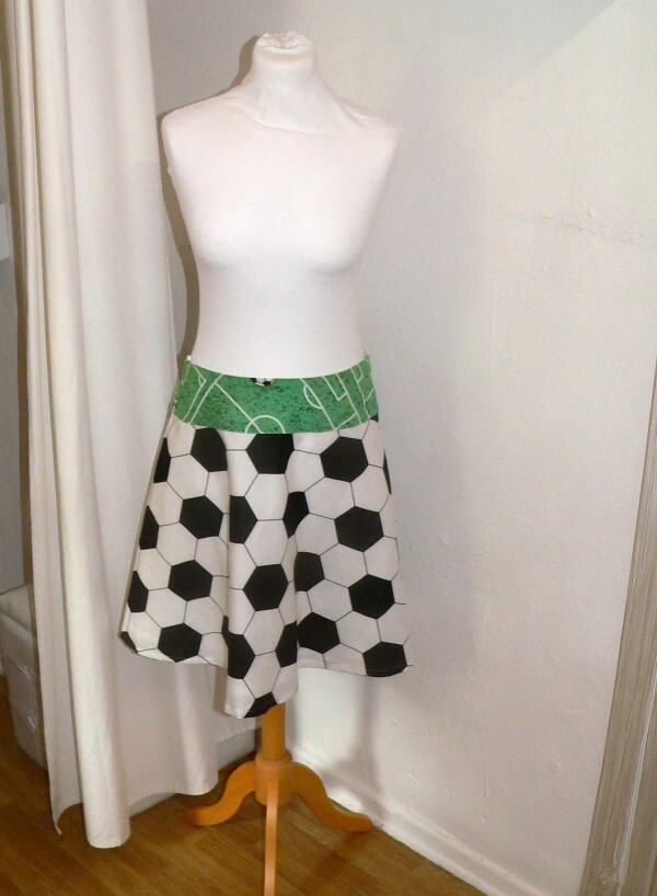 Football skirt size 34/36 | Eva Brachten Modedesign