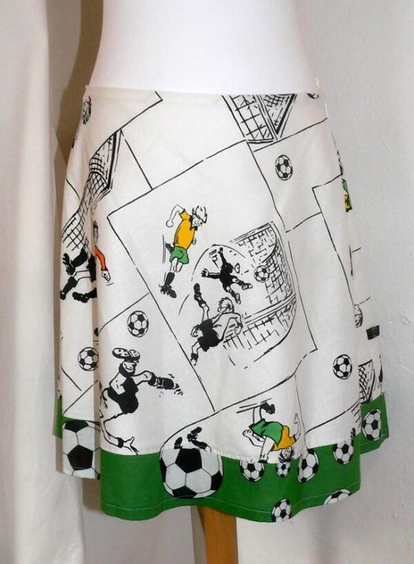 Football skirt white-green | Eva Brachten Modedesign