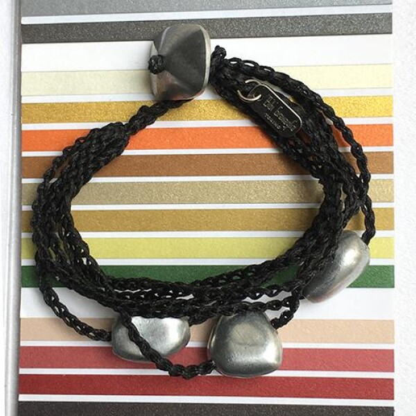 Giò - Black hand made bracelet with nuggets | BIBI GRAMAGLIA selezione