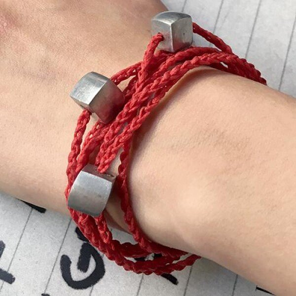 Giò - Red hand made bracelet with cubes | BIBI GRAMAGLIA selezione