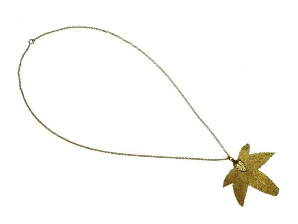 Necklace Pendant Gilt Leaf Maple Nature 7 cm | Gemshine Schmuck