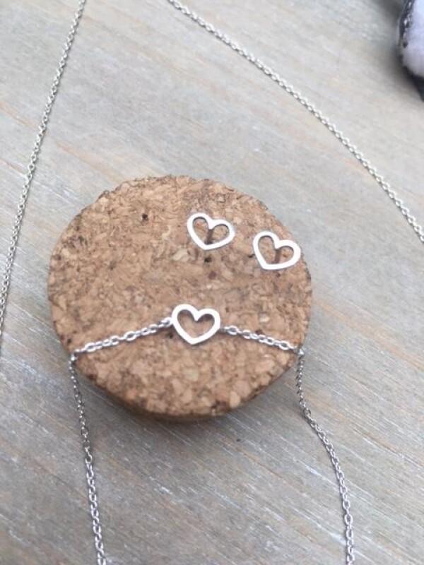 Sterling silver small heart earrings | Perlenmarkt