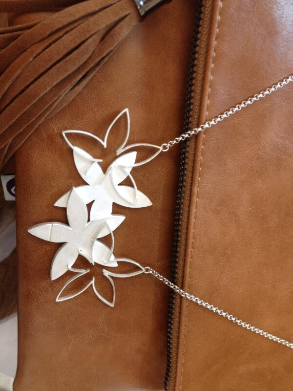 More flowers pendant in silver | Goldschmiede Buhlheller