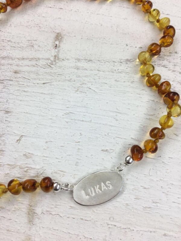 Amber necklace with individualized hanger | Goldschmiede Buhlheller