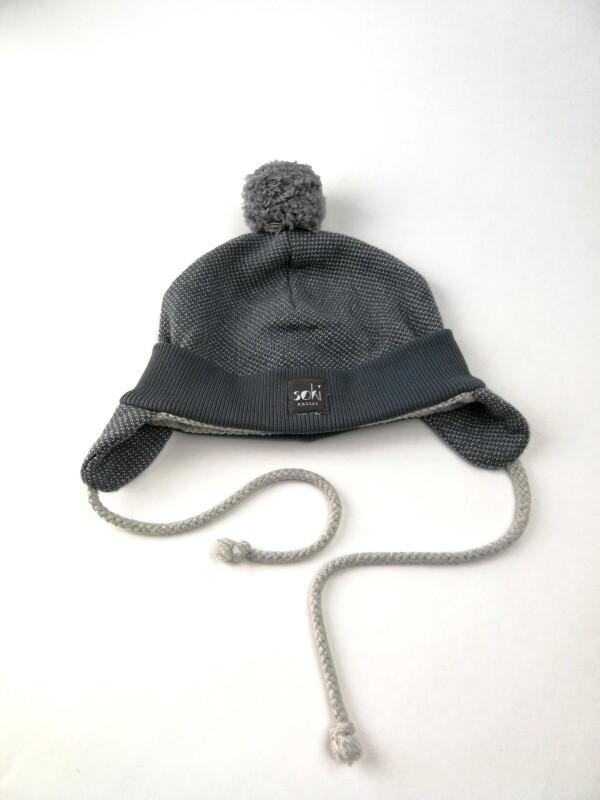 soki Kassel Baby cap with pompom made of organic cotton in gray | soki Kassel