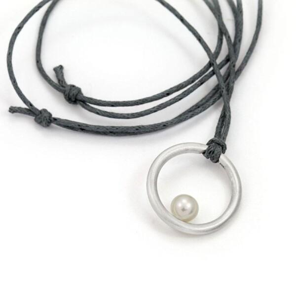 Pendant JOSIE silver with pearl on ribbon | ringlein und noch mehr