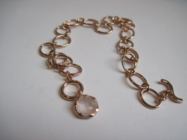 Rosé gold plated bracelet with Rose Quartz | mancherlei