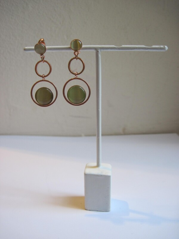 rose gold stud earrings in 3 circles with cateye | mancherlei